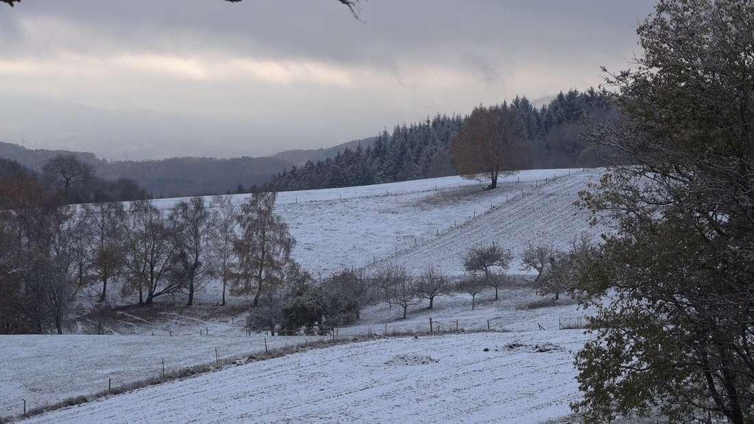 Erster Schnee im hessischen Odenwald