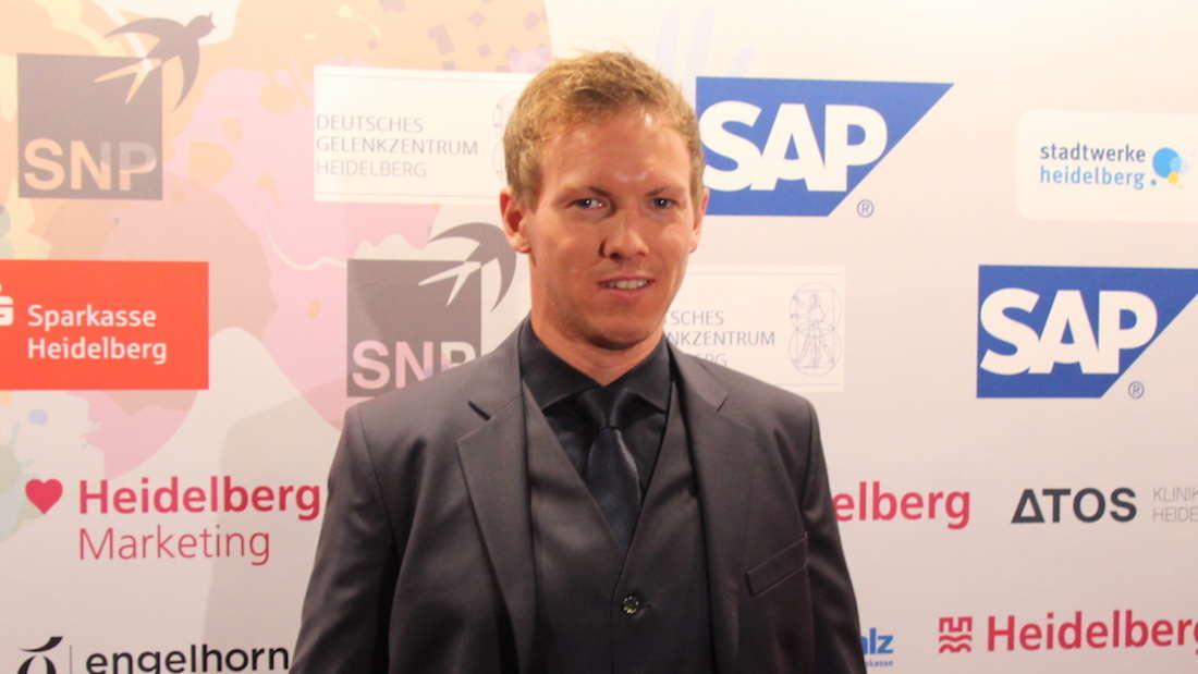 """Hoffenheim-Coach Julian Nagelsmann erhält den Preis als""""Top Trainer""""."""
