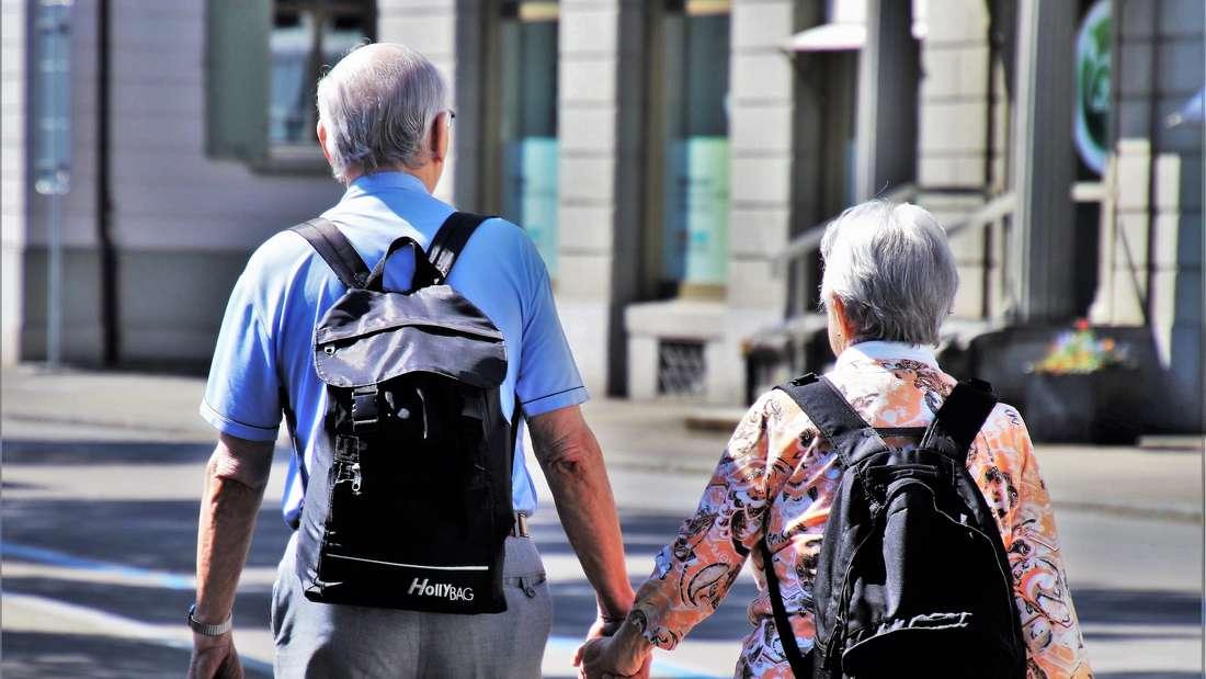 Die Altersgruppe der Senioren könnte unterschiedlicher nicht sein. Während die fitten Älteren im Alter ihr Leben fernab von den Zwängen der Berufstätigkeit genießen, brauchen andere bereits Unterstützung und Pflege.