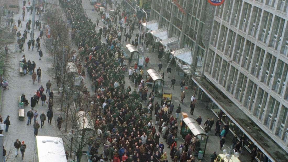 Trauermarsch für ermordeten Polizeibeamten