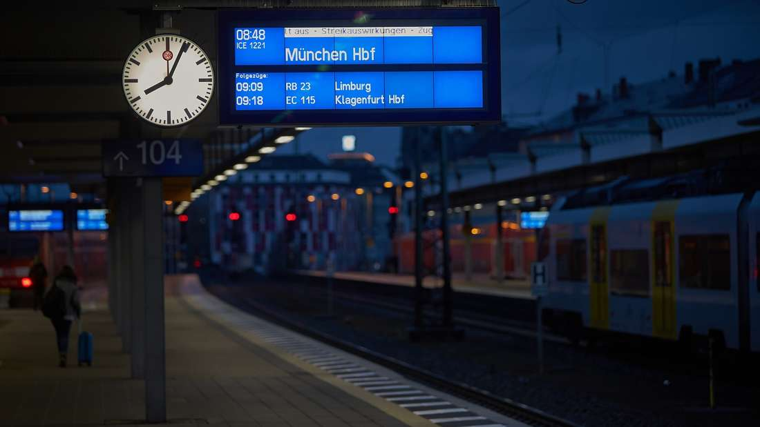 Was zahlt mir die Bahn bei einer Verspätung, die über Nacht andauert?