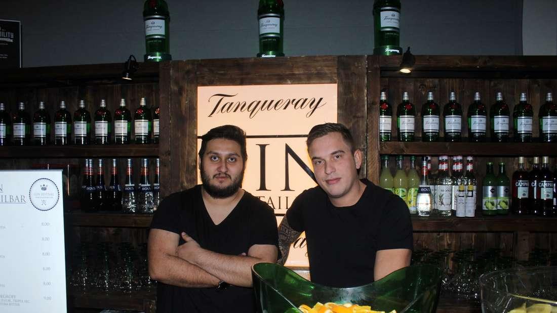 Die Barkeeper Marcelo und Sven sind extra aus der Schweiz und den Niederlanden angereist.