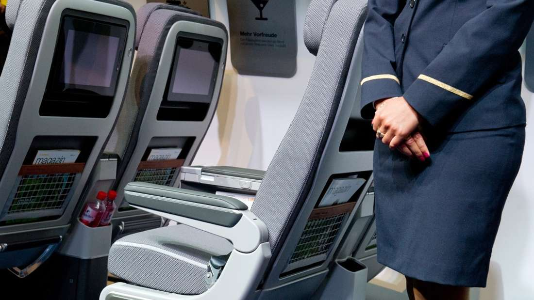 Flugbegleiterin in den 1950er Jahren zu sein, bedeutete kein Spaß, wie eine Ehemalige verrät. (Symbolbild)