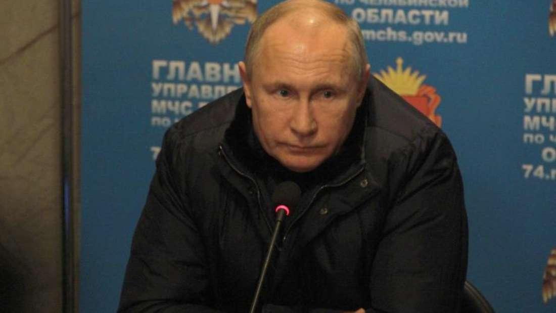 Wladimir Putin, Präsident von Russland, nimmt an einem Treffen von Einsatzkräften teil. Foto: Kremlin