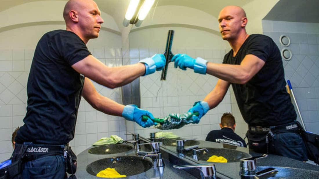 Spiegel lassen sich neben Reinigern auch hervorragend mit Hausmitteln putzen.