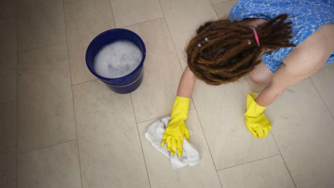 Immer mehr junge Menschen entdecken Putzen als Hobby.