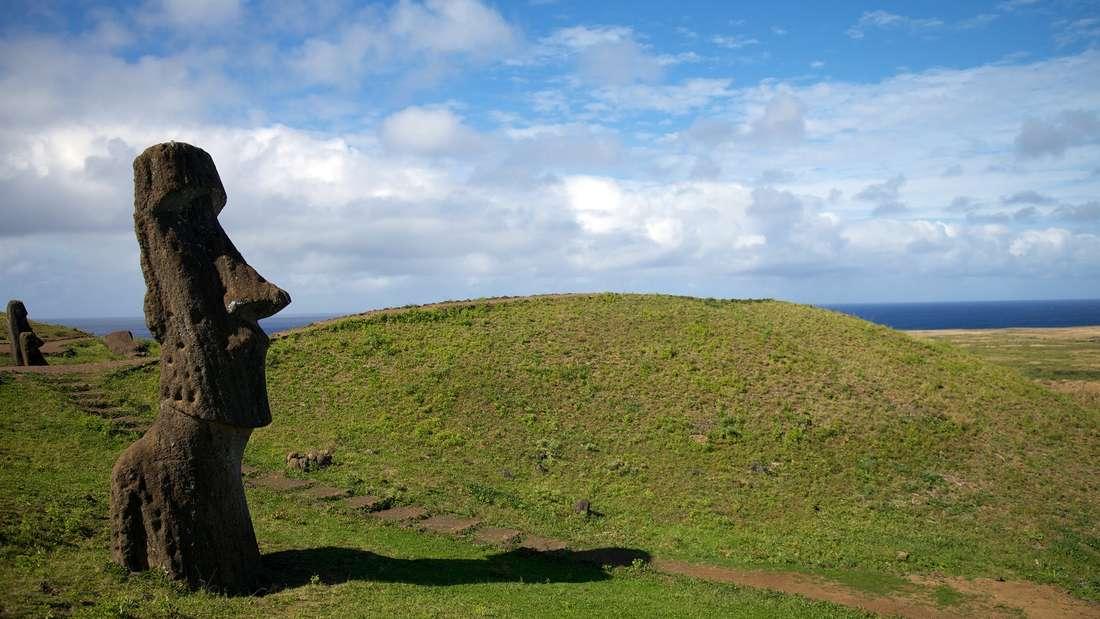 Moai auf einer Osterinsel. Was bedeuten die Statuen?