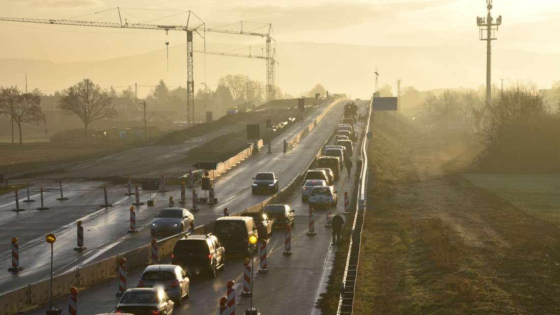Wegen der Abbrucharbeiten in Friedrichsfeld wird die A656 am Wochenende voll gesperrt (Archivbild).