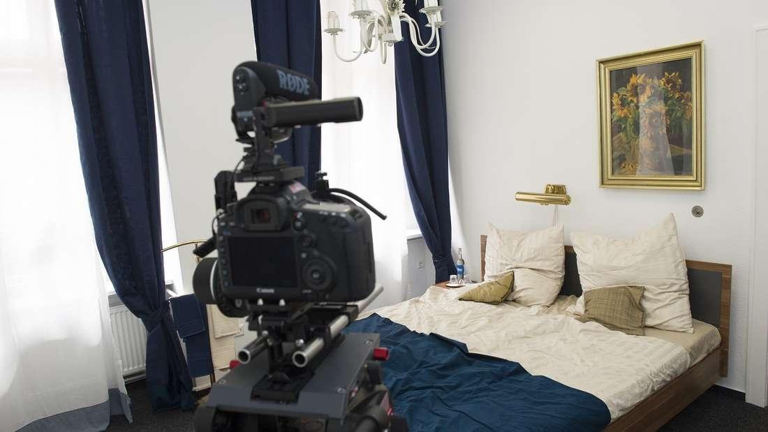 Kameras in der Urlaubsunterkunft braucht nun wirklich keiner. (Symbolbild)