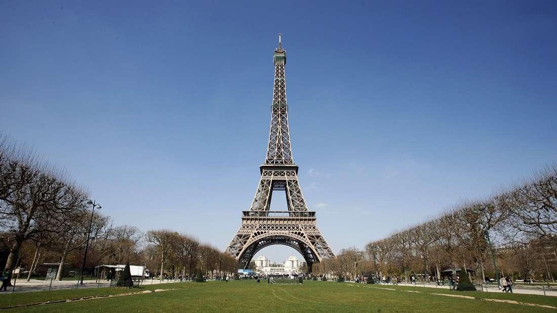 Paris ist die Stadt der Liebe - und dennoch gibt es in Frankreich ein Kussverbot.