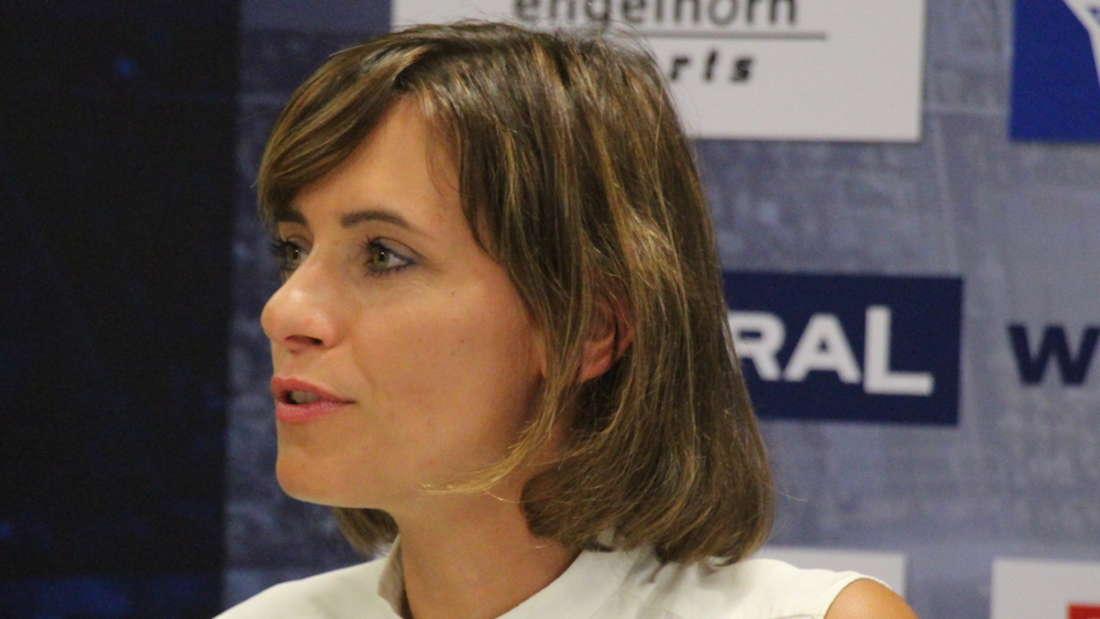 Löwen-Geschäftsführerin Jennifer Kettemann freut sich über den neuen Ausrüster. (Archivfoto)