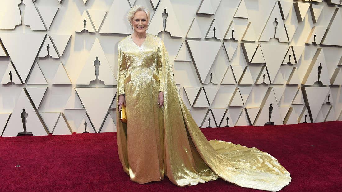 Oscars 2019 : Glenn Close funkelt in ihrem goldenen Kleid.