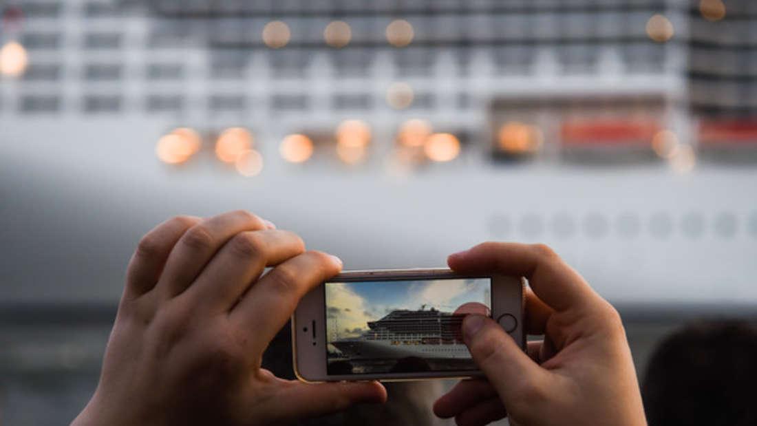Zwei Kreuzfahrtschiffe krachen zusammen - und Touristen filmen es. (Symbolfoto)