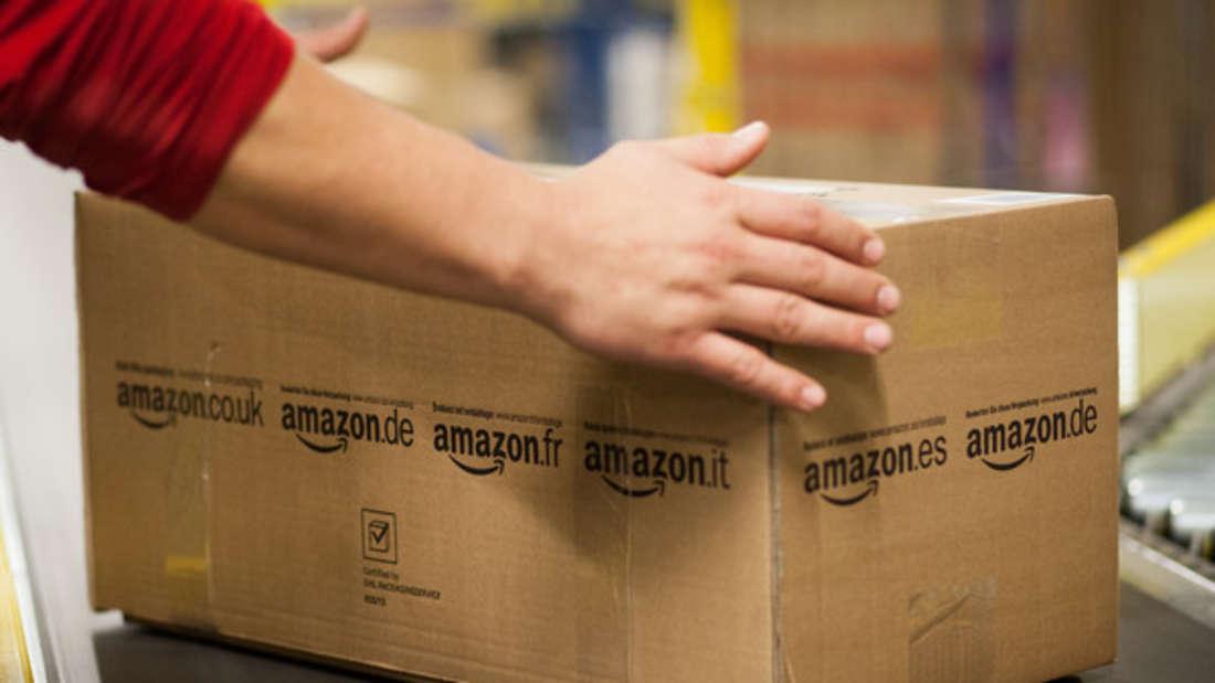 Ein Amazon-Bote schien mächtig verwirrt über den Familiennamen seines Kunden - was zu einer peinlichen Aktion führte.