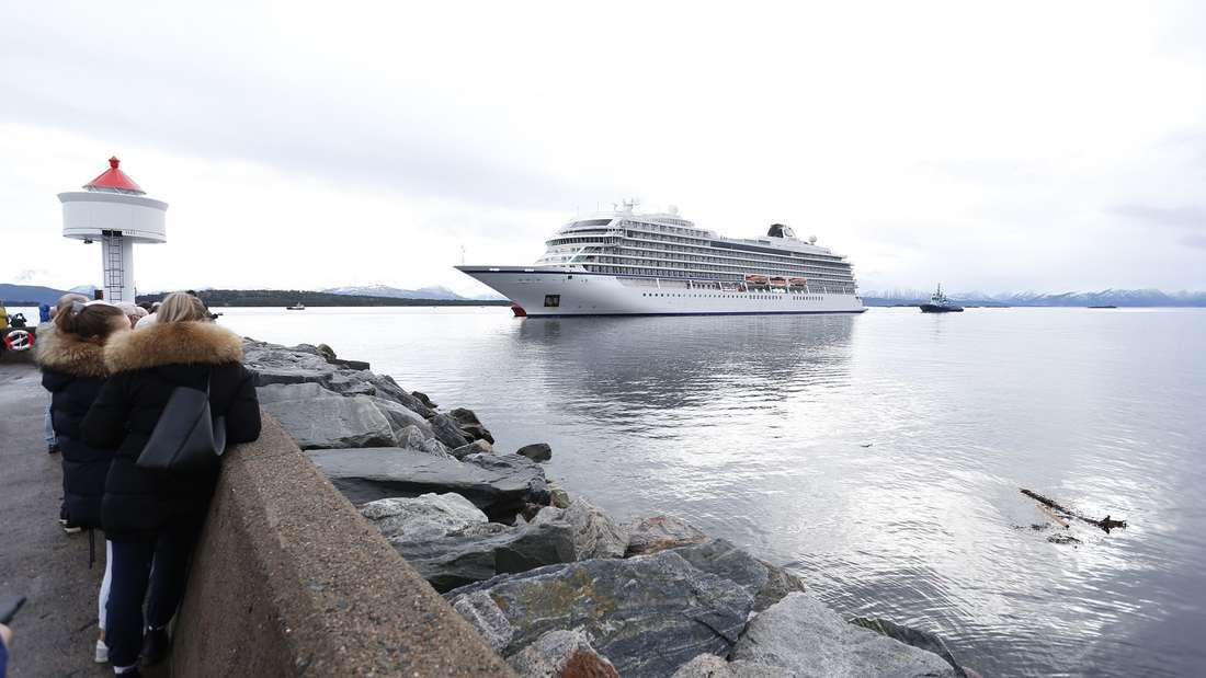 Ein Kreuzfahrtschiff gerietin Seenot vor Norwegen - doch wie sicher sind die Schiffe wirklich?