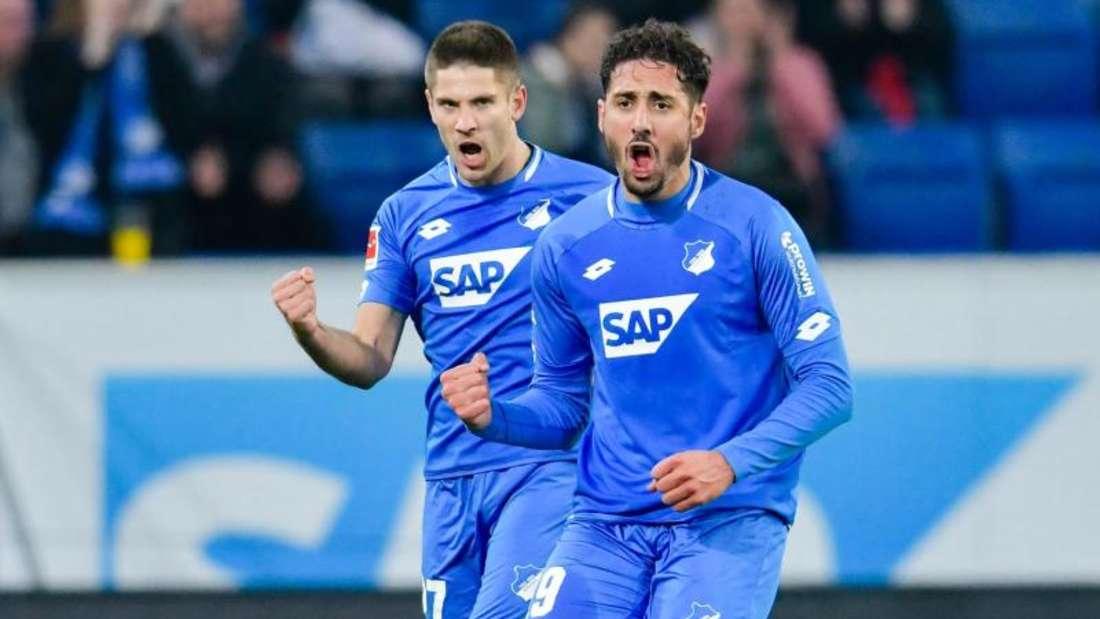 Torschützen unter sich: Hoffenheims Ishak Belfodil (r) und Andrej Kramaric. Foto: Uwe Anspach/dpa