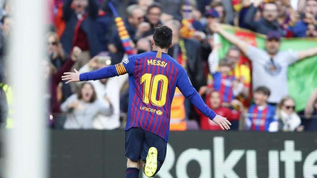 Barcelonas Lionel Messi jubelt, nachdem er das erste Tor für seine Mannschaft erzielt hat. Foto: Manu Fernandez/AP/dpa