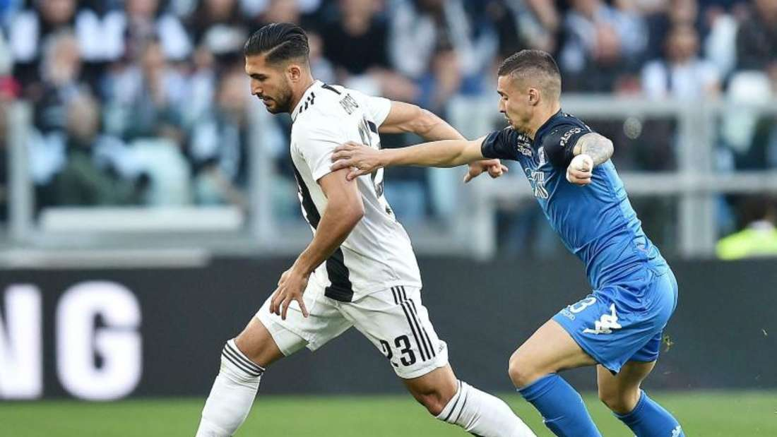 Juves Emre Can (l) behauptet gegen Empolis Rade Krunic den Ball. Foto: Alessandro Di Marco/ANSA/AP/dpa