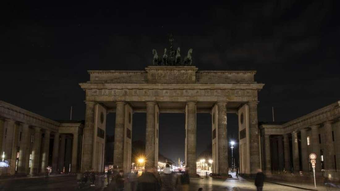 Zur «Earth Hour 2019» wurden die Lichter am Brandenburger Tor für eine Stunde abgeschaltet. Foto: Paul Zinken