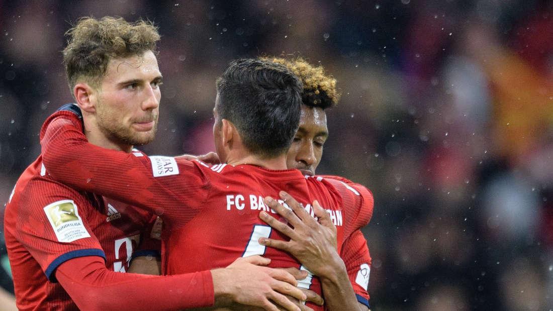 Mittelfeld:Der FC Bayern verfügt eigentlich über die perfekte Mischung aus zweikampf- (Javi Martinez) und spielstarken zentralen Mittelfeldspielern (Thiago, James). Irgendwo dazwischen haben die Roten auch noch den passsicheren Leon Goretzka. In dieser Saison konnte der Rekordmeister diese Qualität aber nicht immer auf den Platz bringen, vor allem das Offensivspiel wirkte oft behäbig. Auf den Außenpositionen braucht der FCB dringend Verstärkung. Serge Gnabry glänzt zwar in dieser Spielzeit, auf der anderen Seite kann ein oft verletzter Kingsley Coman allerdings nicht adäquat ersetzt werden.