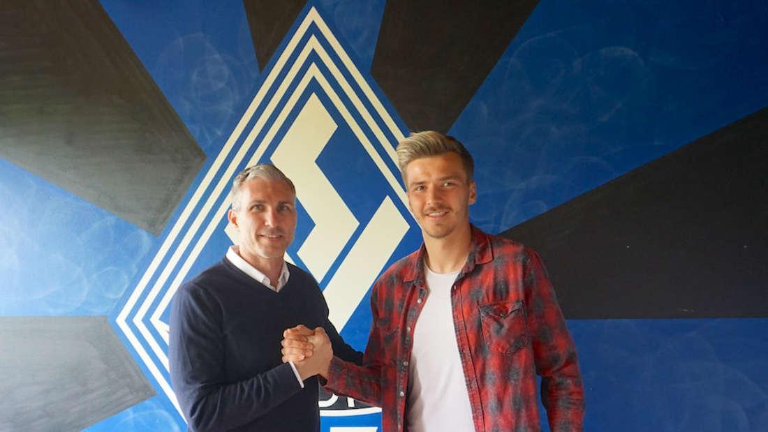 Jochen Kientz (li.) und Maurice Deville (r.) freuen sich über die Vertragsverlängerung.