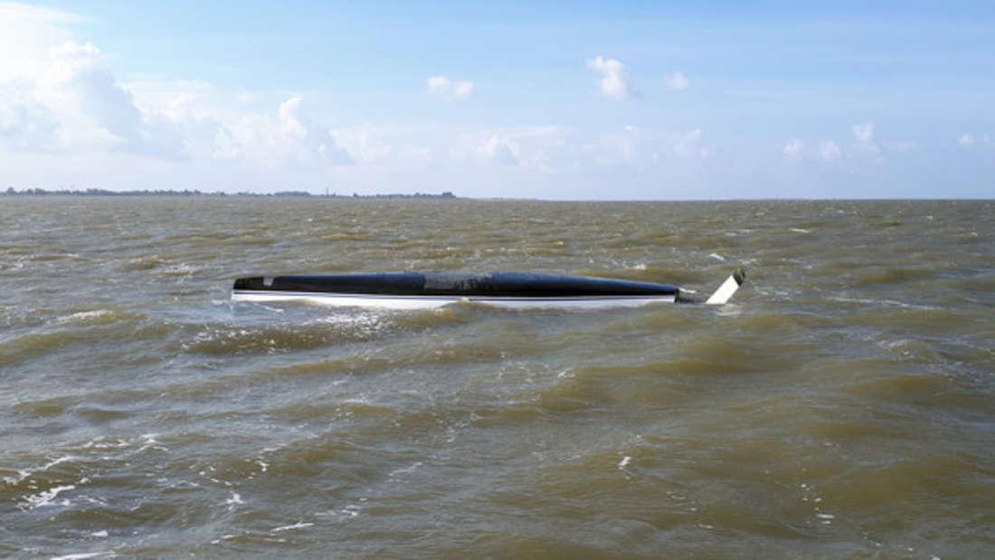 Eine Seglerin ist auf der Jade in der Nordsee nahe Oldenburg und Wilhelmshaven tödlich verunglückt.