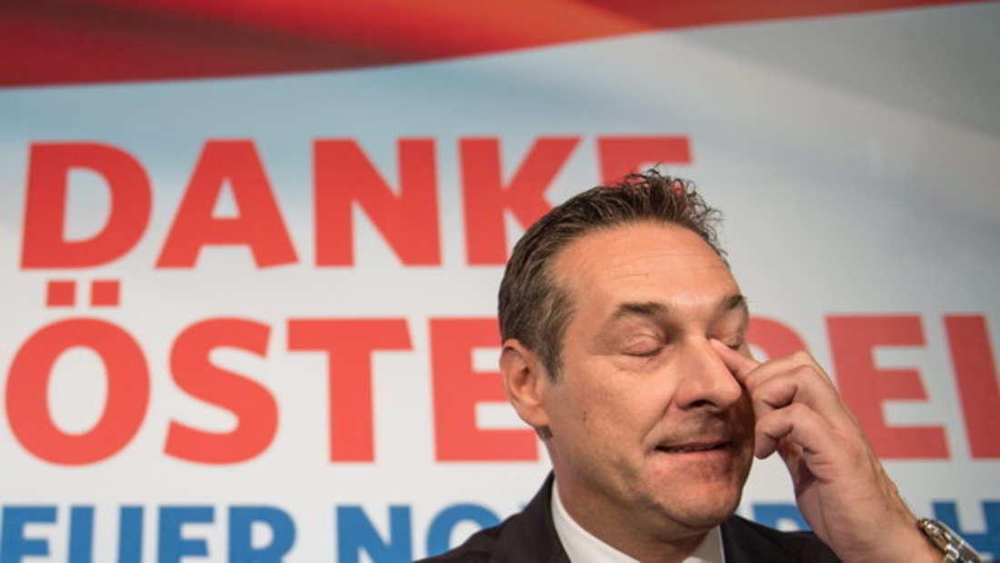 Heinz-Christian Strache auf einer Pressekonferenz nach dem Skandal-Video.