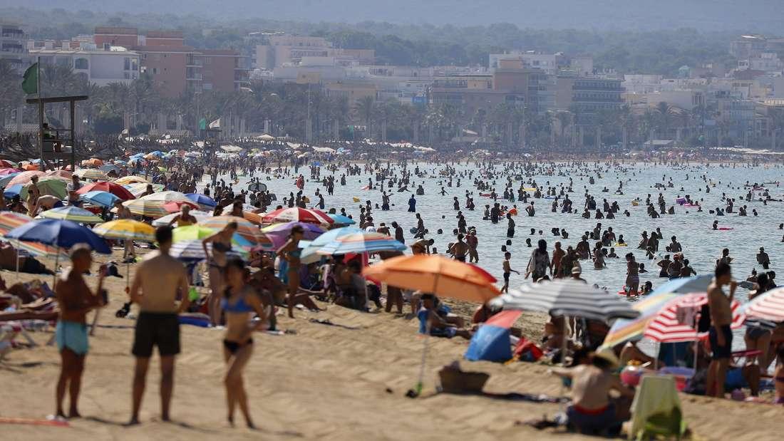 Sommer, Sonne, Strand: Statt sich zu erholen, beschweren sich einige Urlauber über die unglaublichsten Dinge.