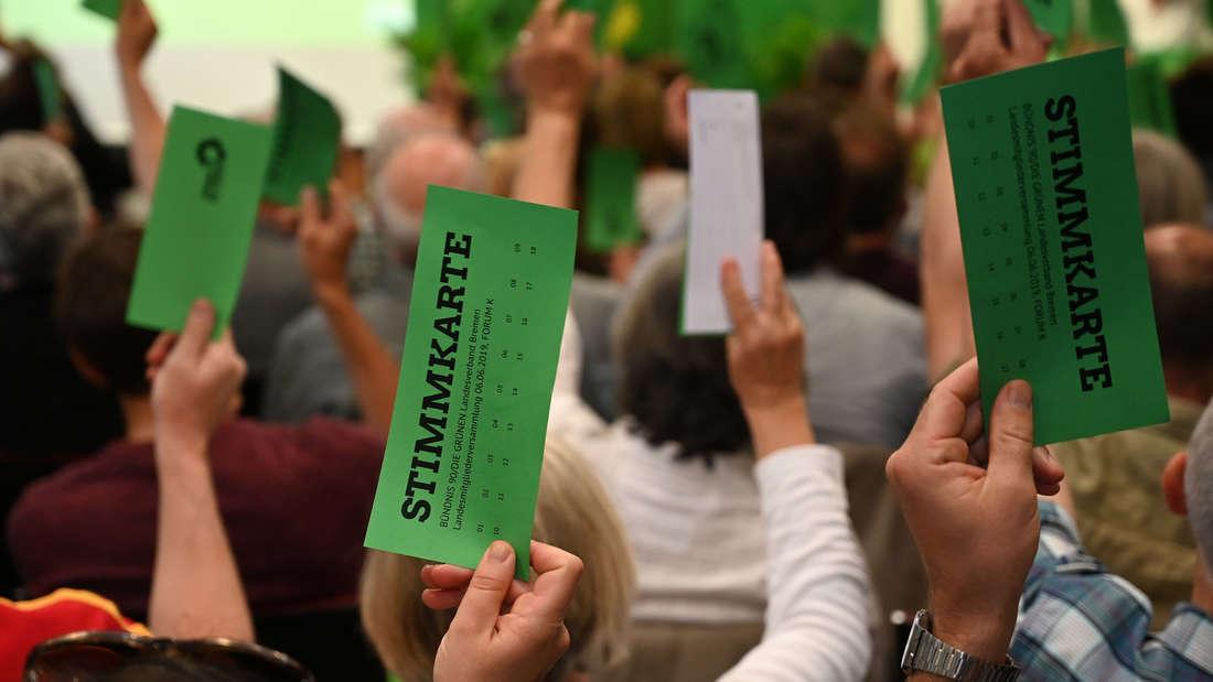 Landesmitgliederversammlung in Bremen: Die Grünen stimmten eindeutig fürRot-Grün-Rote-Koalitionsverhandlungen.