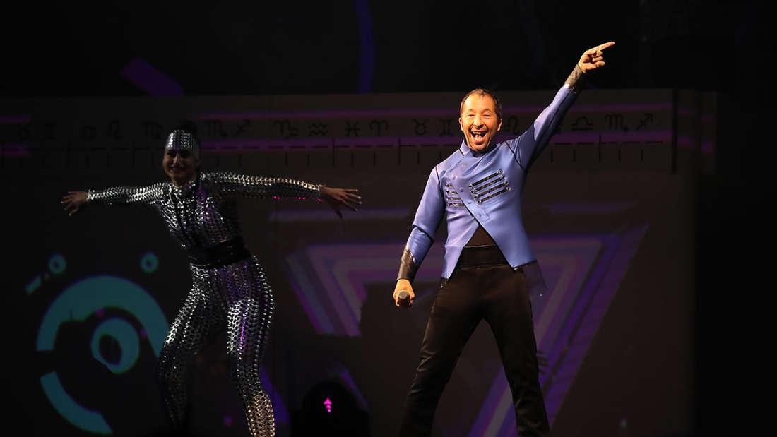 Seit 25 Jahren begeistert DJ BoBo seine Fans mit bombastischen Bühnenshows.