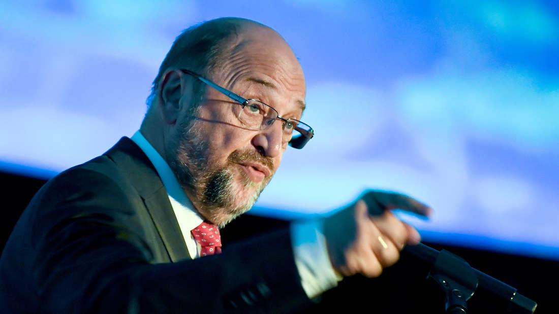 Martin Schulz kritisiert Parteiinterne Intrigen.