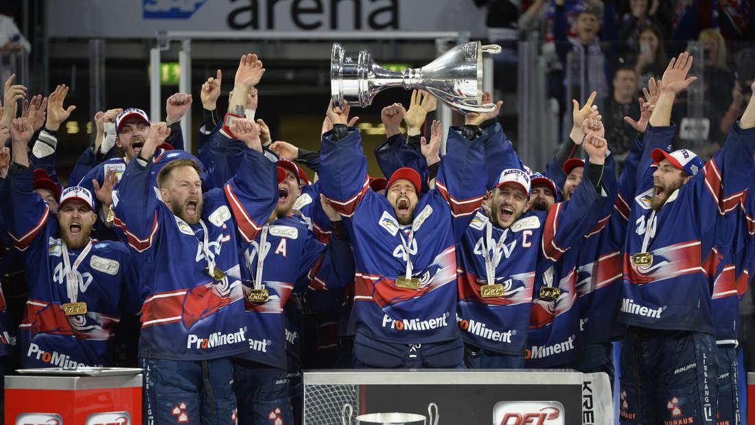 Die Adler Mannheim gehen als amtierender Meister in die neue DEL-Saison.