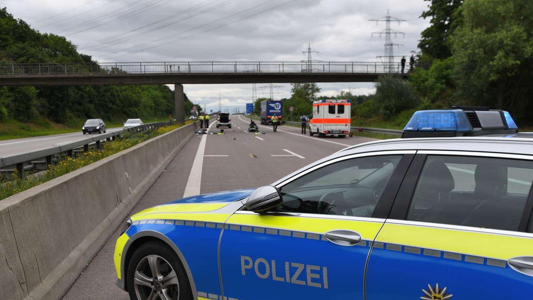 Die A6 ist am Donnerstag (6. Juni) nach einem Unfall gesperrt. Ein Polizeimotorrad ist auf einen BMW X1 aufgefahren. Der Motorradfahrer wird schwer verletzt. © MANNHEIM24/PR-Video/Priebe