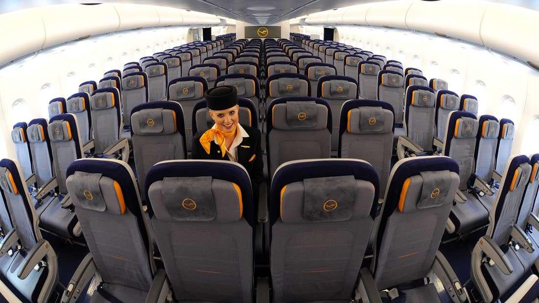 Wer es noch nicht wusste: Auch der Mittelplatz im Flugzeug hat Vorteile.