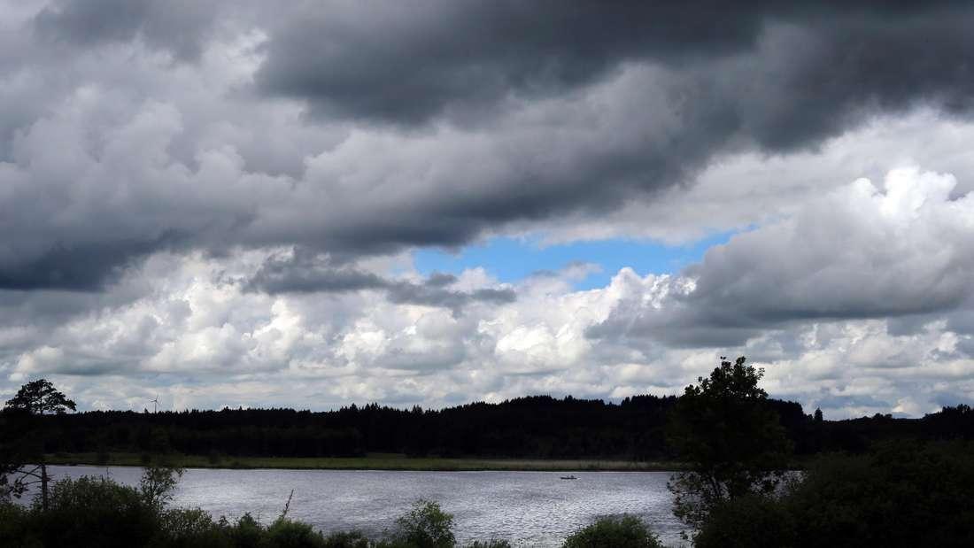 Wolkenlücke über dem Elbsee