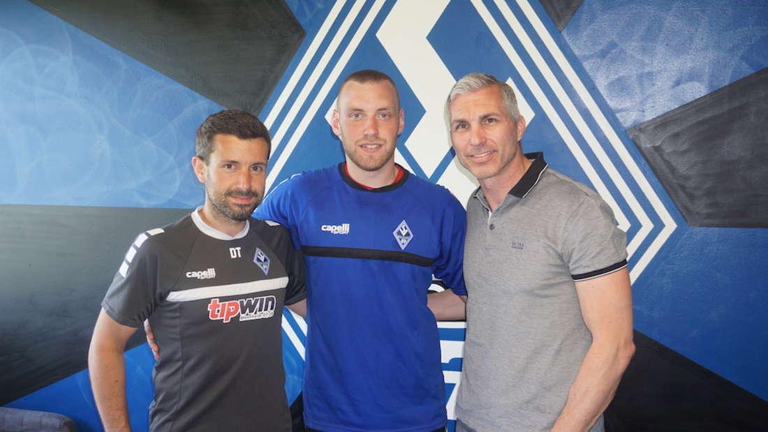 Timo Königsmann (M.) verstärkt den SV Waldhof Mannheim.