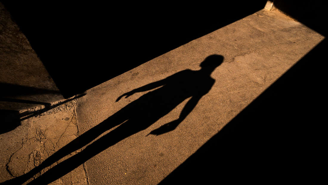 Schreckliche Szenen in der Oststadt: Ein bislang unbekannter Täter versucht, eine 39-Jährige zu vergewaltigen. Zügen gesucht! (Symbolfoto)