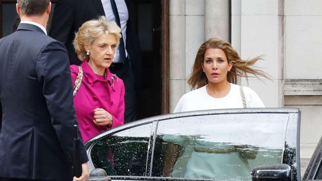 Prinzessin Haya bint al-Hussein war von der Bildfläche verschwunden. Nun hat sich die Nochfrau vonScheich Mohammed bin Raschid Al Maktoum in London gezeigt.