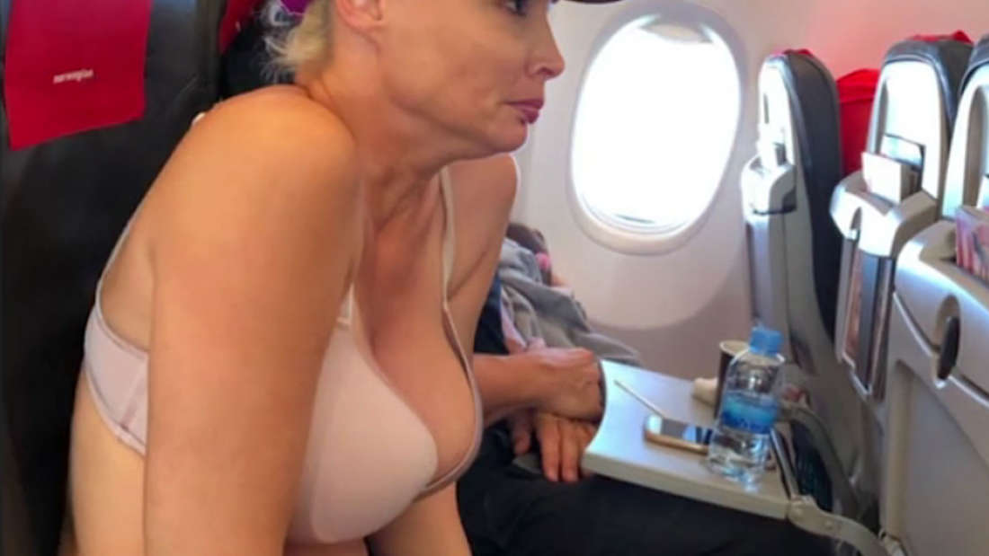 Frierend im BH: So fliegt eine Daniela Katzenberger