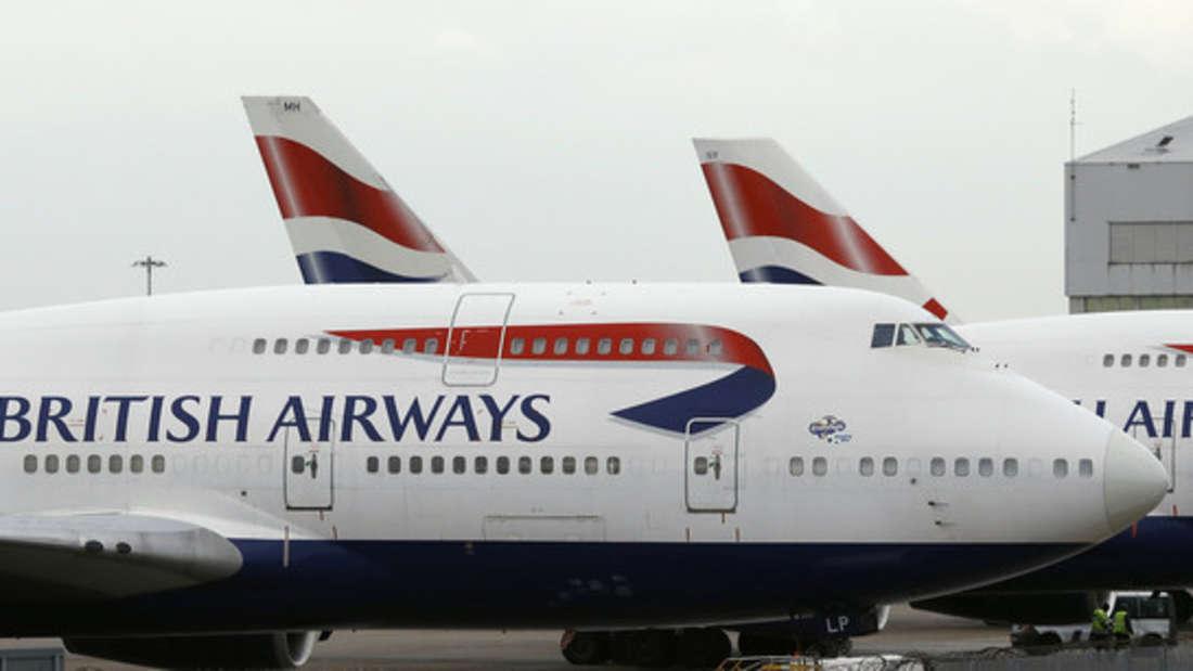 Ein Gepäckband der British Airways im London Heathrow Airport war defekt. Es folgten stundenlange Wartezeiten.