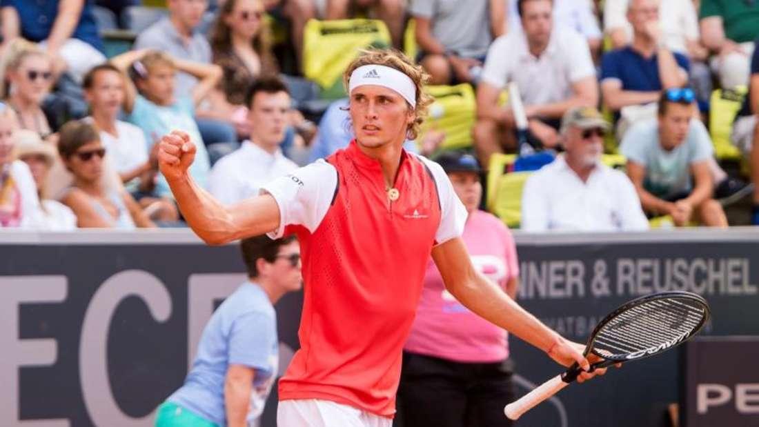 Freude über den Einzug ins Viertelfinale in der Heimat: Alexander Zverev. Foto: Daniel Bockwoldt