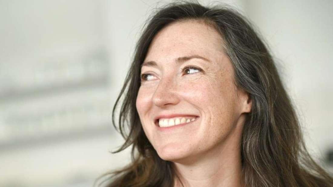 Charlotte Roche:«Periode ist kein Luxus». Foto: Henning Kaiser