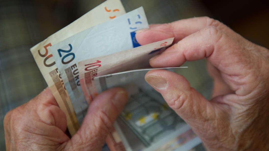 Über die Hälfte der Rentner erhielt im vergangenen Jahrweniger als900 Euro im Monat.