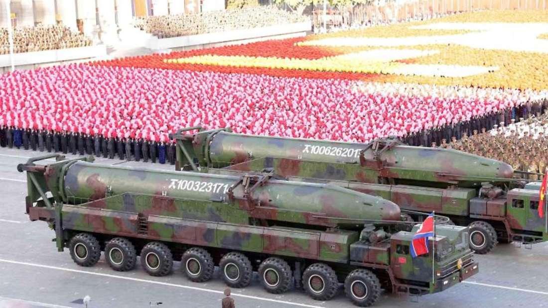 Militärparade in Pjöngjang:Nordkorea bleibt weiterhin unberechenbar. Foto:KCNA/Yonhap