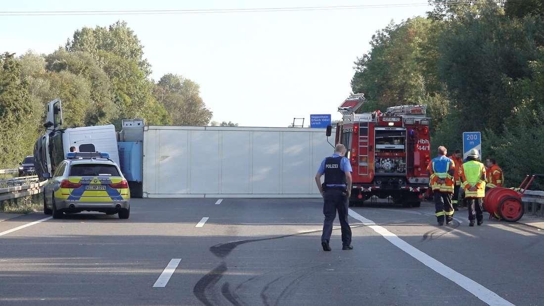 Der Lkw blockiert die gesamte A5 bei Bensheim!