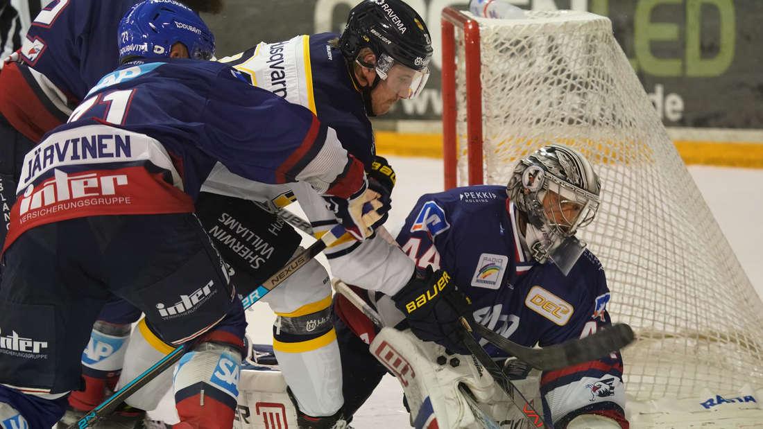 Die Adler Mannheim verlieren gegenHV71Jönköping.