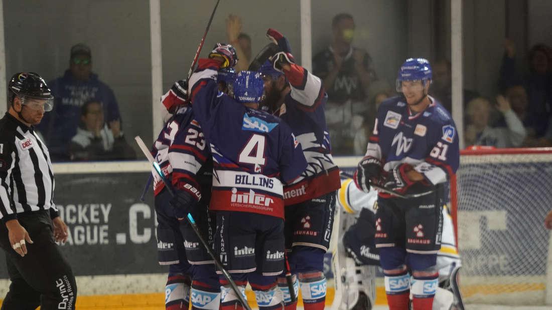 Adler Mannheim verlieren Testspiel gegen HV71 Jönköping.