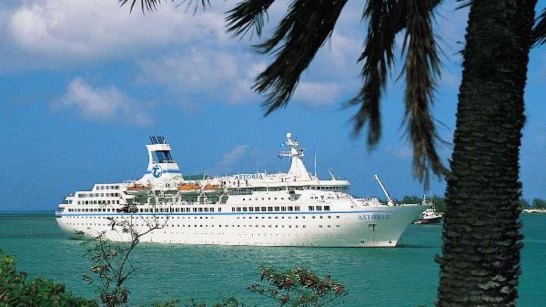 Kreuzfahrtschiff in der Karibik.