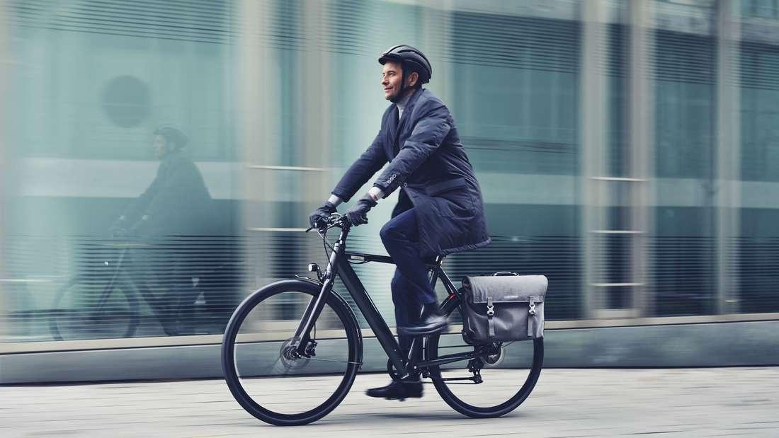 Mit dem COBOC Seven Montreal Lifestyle E-Bike mühelos zur Arbeit