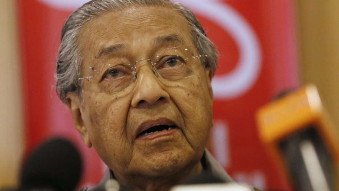 Mahathir Mohamad gilt mit 93 Jahren als der wohl älteste Premierminister der Welt. Malaysias Regierungschef war aber nicht nur fleißig, sondern soll auch viele Milliarden veruntreut haben - man spricht von knapp 45 Milliarden Dollar (circa 40 Milliarden Euro).